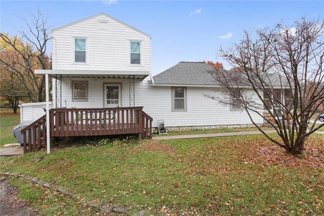 7108 N Congress Avenue, Kansas City, MO 64152 (#2138582) :: No Borders Real Estate