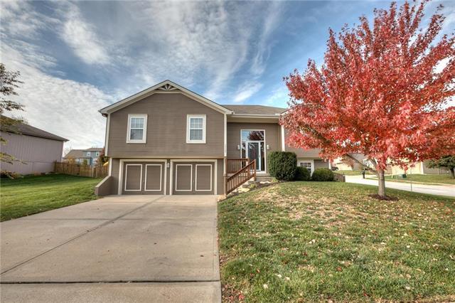 10622 N Marsh Avenue, Kansas City, MO 64157 (#2138586) :: Edie Waters Network