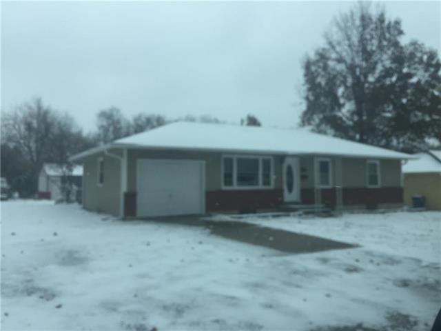 1005 S Highland Drive, Harrisonville, MO 64701 (#2138598) :: No Borders Real Estate