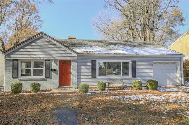 7516 Sagamore Road, Prairie Village, KS 66208 (#2138823) :: Char MacCallum Real Estate Group