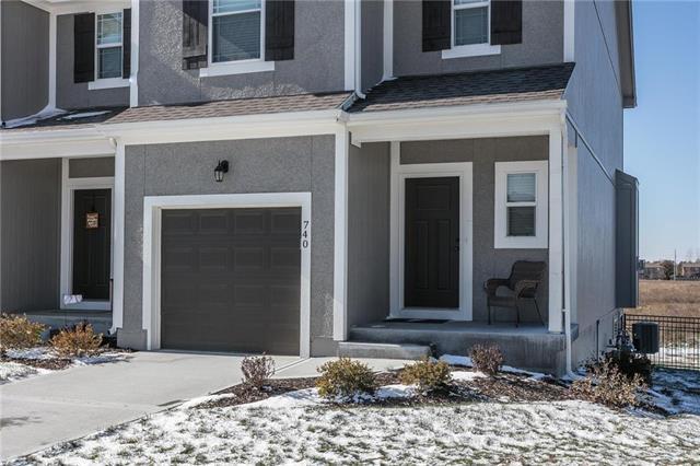 740 W Shawnee Court, Gardner, KS 66030 (#2138867) :: Char MacCallum Real Estate Group