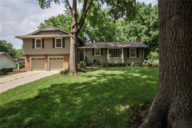5632 W 87TH Terrace, Overland Park, KS 66207 (#2138868) :: Edie Waters Network