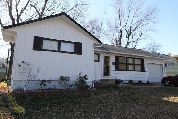 11401 Greenwood Road, Kansas City, MO 64134 (#2138891) :: Edie Waters Network
