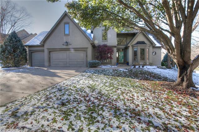 13140 El Monte Drive, Leawood, KS 66209 (#2138902) :: Char MacCallum Real Estate Group