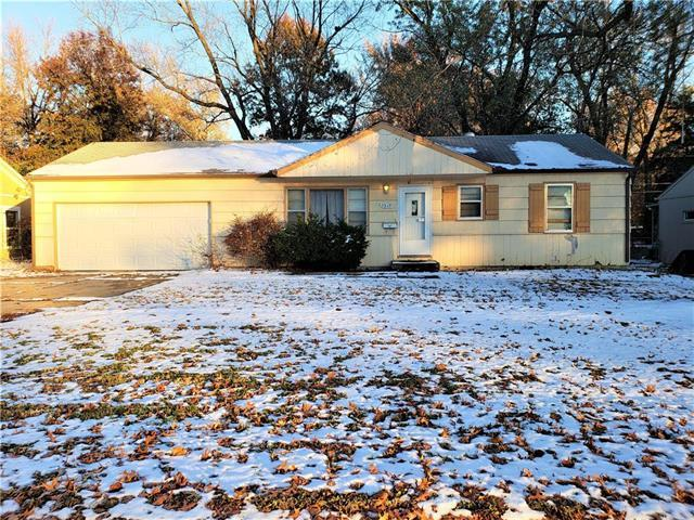 7315 Blue Ridge Boulevard, Raytown, MO 64133 (#2138941) :: Edie Waters Network
