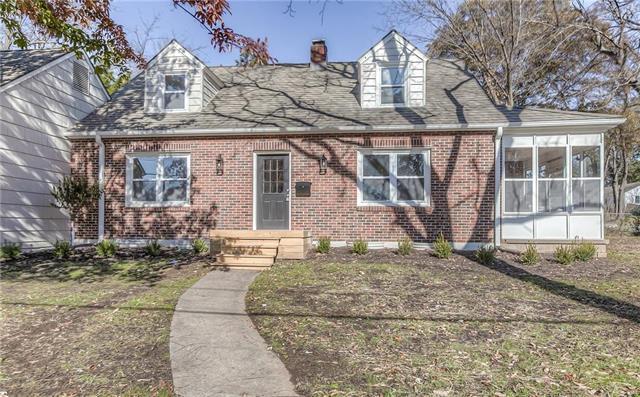 3500 W 77th Street, Prairie Village, KS 66208 (#2138958) :: Char MacCallum Real Estate Group