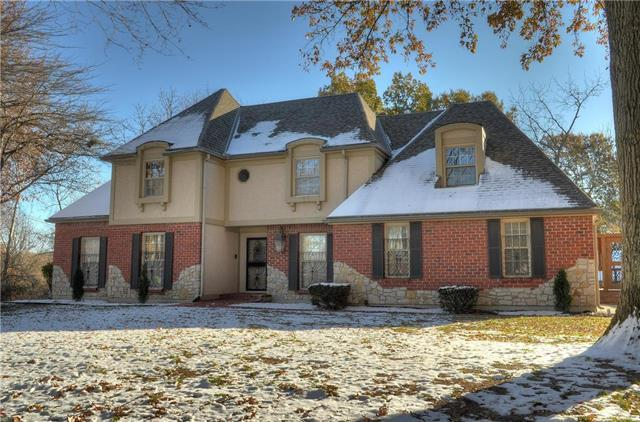 1706 NW Deer Run Trail, Blue Springs, MO 64015 (#2138988) :: No Borders Real Estate