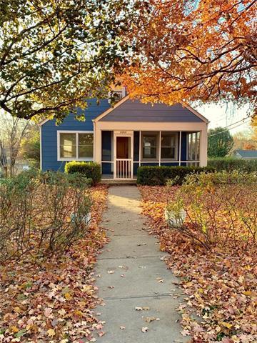 8200 Walnut Street, Kansas City, MO 64114 (#2139050) :: Edie Waters Network