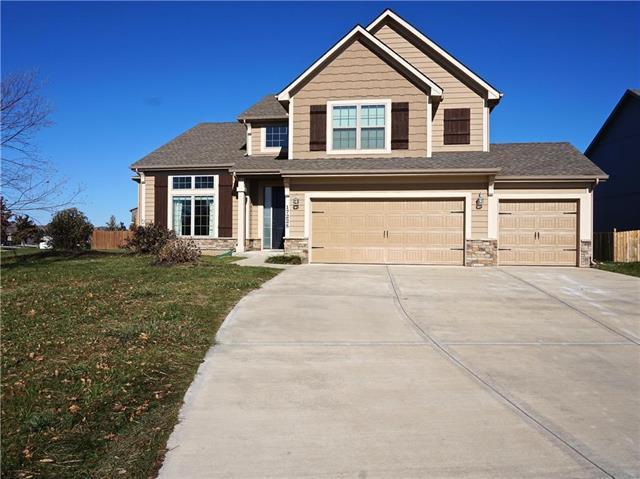 17228 W 198th Terrace, Spring Hill, KS 66083 (#2139051) :: Char MacCallum Real Estate Group