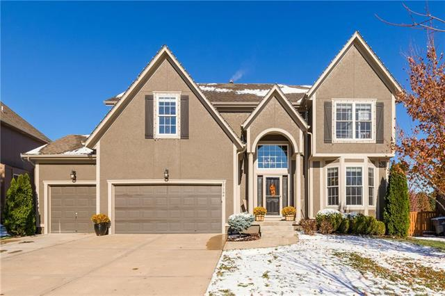 17164 W 161st Terrace, Olathe, KS 66062 (#2139091) :: Edie Waters Network