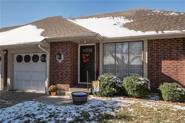 1311 NW 6th Street, Blue Springs, MO 64014 (#2139092) :: Kansas City Homes