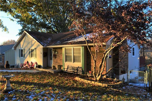 2413 NW London Drive, Blue Springs, MO 64015 (#2139105) :: Kansas City Homes