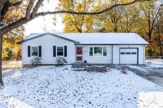 4910 NE Davidson Road, Kansas City, MO 64118 (#2139153) :: Kansas City Homes