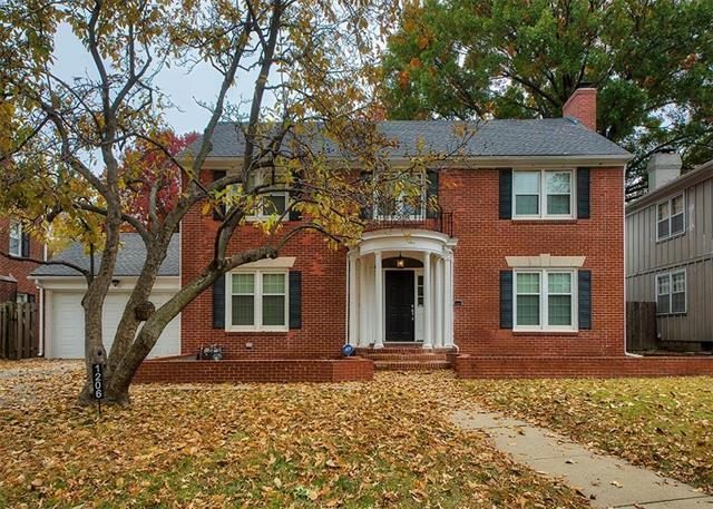 1206 W 63rd Street, Kansas City, MO 64113 (#2139201) :: Char MacCallum Real Estate Group