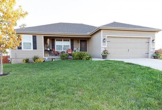 605 E Lakota Street, Gardner, KS 66030 (#2139218) :: Char MacCallum Real Estate Group