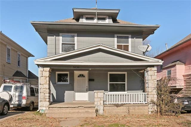 5232 St. John Avenue, Kansas City, MO 64123 (#2139229) :: Kansas City Homes