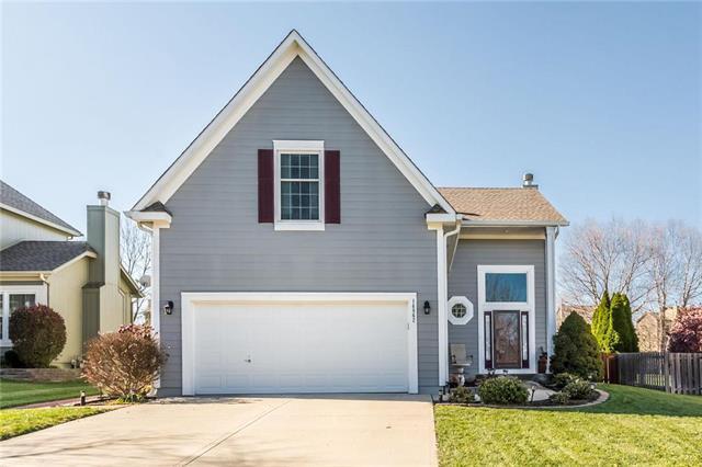 14862 S Summit Street, Olathe, KS 66062 (#2139236) :: Char MacCallum Real Estate Group