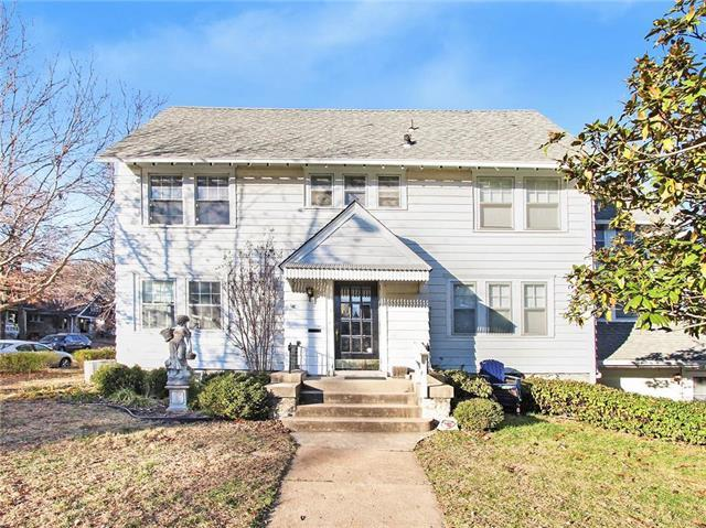 200 E 51st Terrace, Kansas City, MO 64112 (#2139237) :: Kansas City Homes