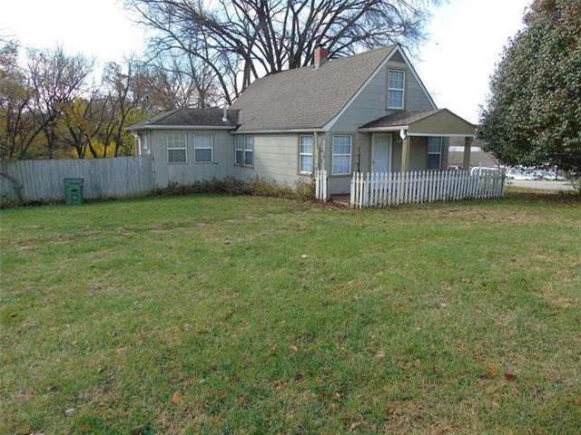 10005 E 53rd Street, Raytown, MO 64133 (#2139248) :: Kansas City Homes