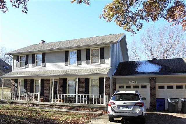 16100 W 136th Street, Olathe, KS 66062 (#2139249) :: Char MacCallum Real Estate Group