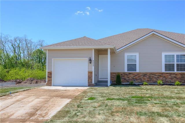 9212 N Gower Avenue, Kansas City, MO 64154 (#2139352) :: Eric Craig Real Estate Team