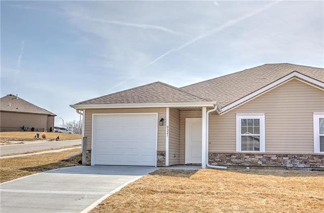 3505 NW 93rd Street, Kansas City, MO 64154 (#2139356) :: Eric Craig Real Estate Team