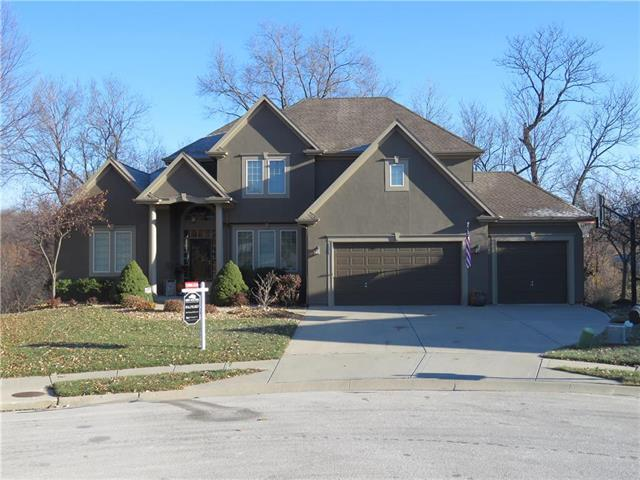 6715 NW Hickory Circle, Parkville, MO 64152 (#2139401) :: Dani Beyer Real Estate