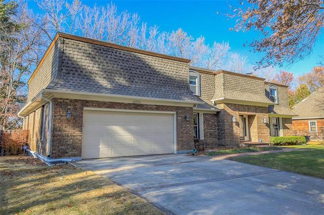 12710 High Drive, Leawood, KS 66209 (#2139428) :: Eric Craig Real Estate Team