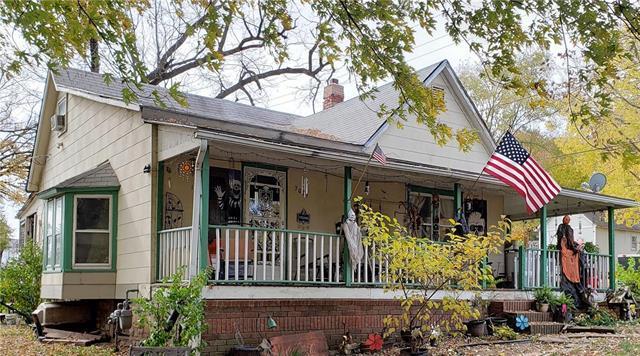 7001 E 12th Terrace, Kansas City, MO 64126 (#2139552) :: The Gunselman Team