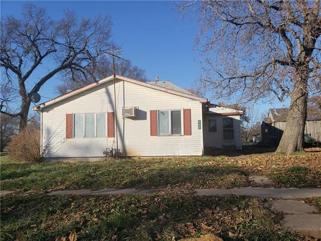 302 E Warren Street, Williamsburg, KS 66095 (#2139566) :: HergGroup Kansas City