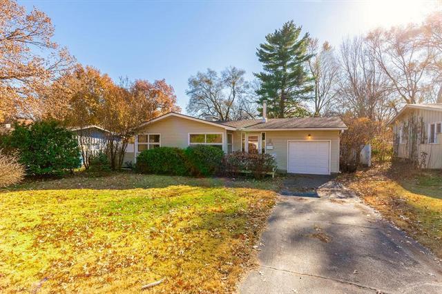5715 W 75th Terrace, Prairie Village, KS 66208 (#2139589) :: No Borders Real Estate
