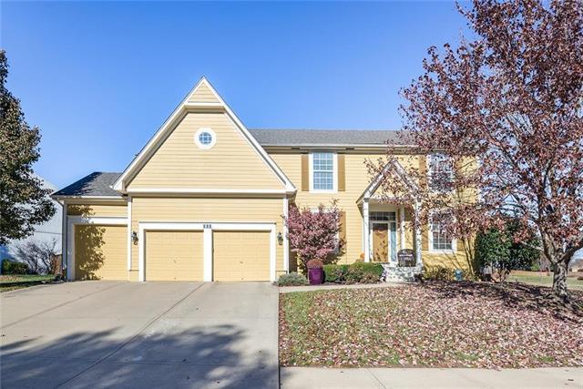 128 Shoreline Drive, Louisburg, KS 66053 (#2139729) :: Char MacCallum Real Estate Group