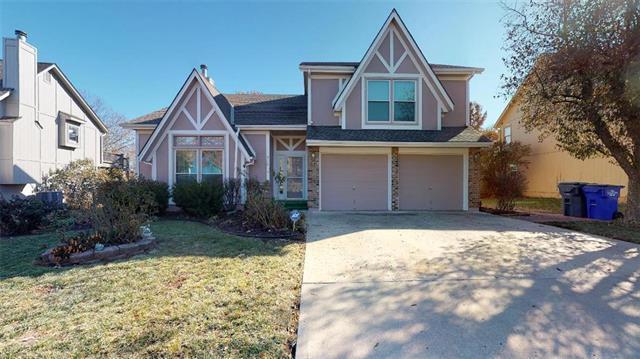 910 N Cedarcrest Drive, Olathe, KS 66061 (#2139733) :: Edie Waters Network