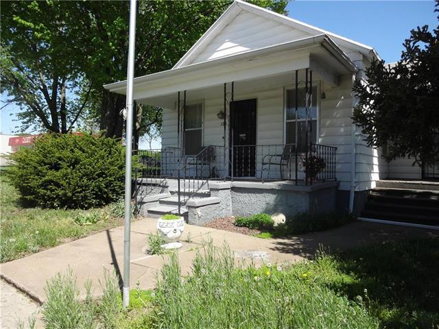 106 W Main Street, Highland, KS 66035 (#2139856) :: Stroud & Associates Keller Williams - Powered by SurRealty Network