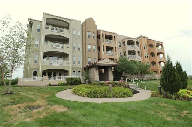 3800 N Mulberry Drive #301, Kansas City, MO 64116 (#2139898) :: House of Couse Group