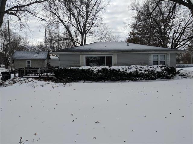 808 E Front Street, Topeka, KS 66073 (#2140129) :: No Borders Real Estate