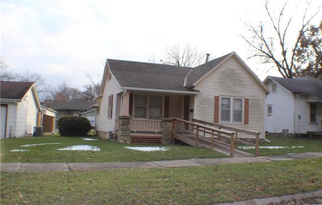 317 Parker Avenue, Osawatomie, KS 66064 (#2140171) :: No Borders Real Estate