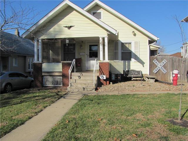 1902 Elizabeth Avenue, Kansas City, KS 66102 (#2140211) :: Edie Waters Network