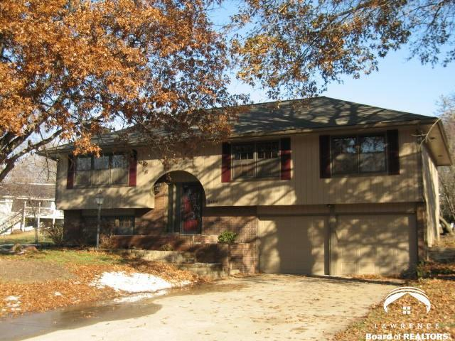 2428 Atchison Avenue, Lawrence, KS 66047 (#2140265) :: Edie Waters Network