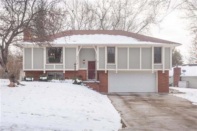 4304 Hillcrest Drive, St Joseph, MO 64506 (#2140290) :: No Borders Real Estate