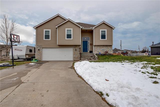 240 Meadowbrook Lane, Wellsville, KS 66092 (#2140345) :: No Borders Real Estate