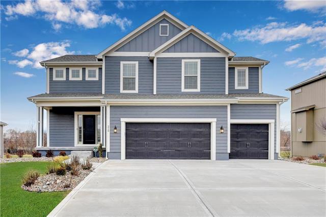 210 N Westglen Drive, Raymore, MO 64083 (#2140377) :: No Borders Real Estate