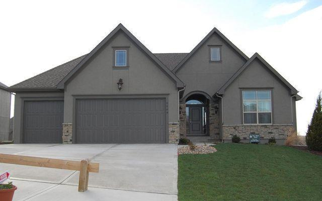 5695 Barn Hill Road, Parkville, MO 64152 (#2140394) :: Edie Waters Network