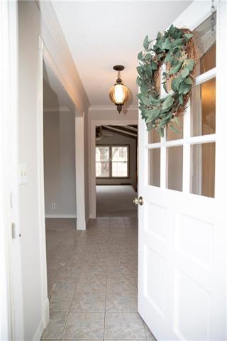 3901 NW 60th Place, Kansas City, MO 64151 (#2140458) :: Team Real Estate