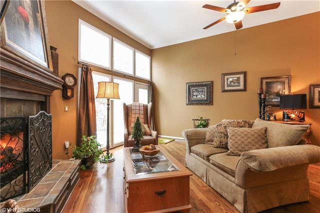 10410 Garnett Street, Overland Park, KS 66214 (#2140609) :: No Borders Real Estate