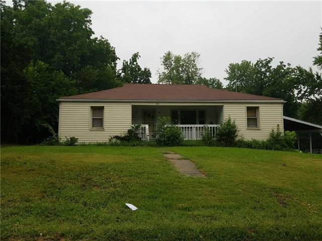 9806 E 31st Street, Independence, MO 64052 (#2140633) :: Edie Waters Network