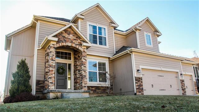 1008 SE Crimson Court, Blue Springs, MO 64014 (#2140694) :: No Borders Real Estate