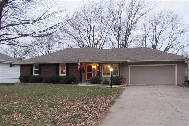 304 N Woodson Drive, Raymore, MO 64083 (#2140718) :: No Borders Real Estate