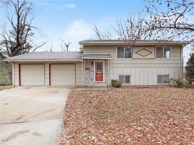 1804 Bird Terrace, Harrisonville, MO 64701 (#2140734) :: Kansas City Homes