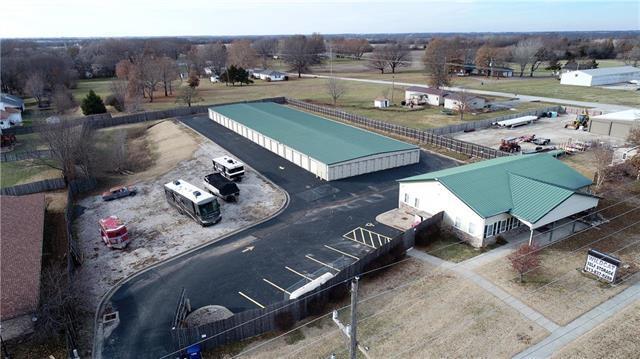 1502 N Metcalf Road, Louisburg, KS 66053 (#2140795) :: Kansas City Homes